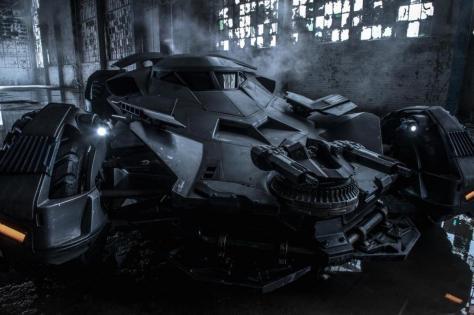 hr_Batman_v_Superman-_Dawn_of_Justice_7