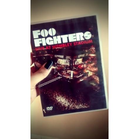 DVD - Escolhi esse especificamente do Foo Fighters porque é muito bom e eu amo essa banda *--*