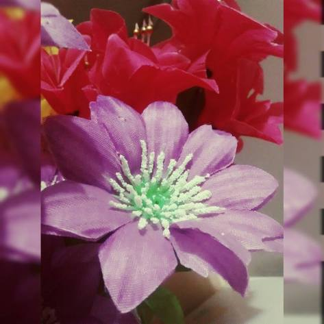 Flores artificiais...porque eu gosto delas fora e dentro de casa.